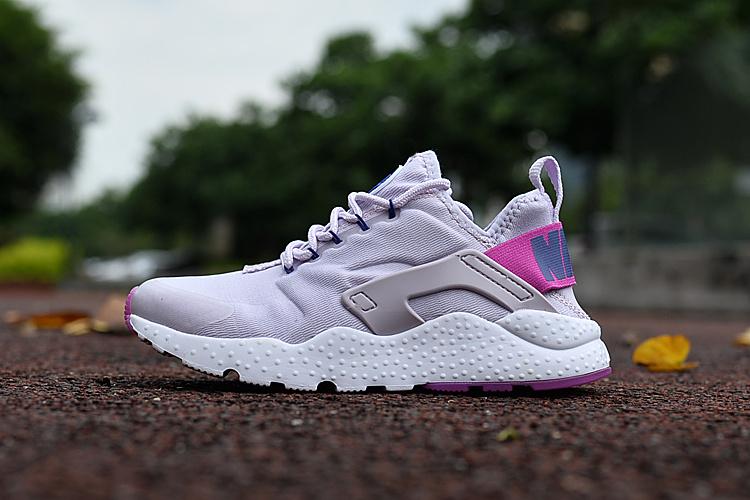 air nike huarache femme nike huarache ultra blanche et violet femme Nike Huarache Rose Et Grise Huarache Grise Huarache Rouge Femme