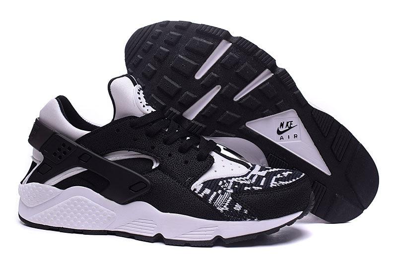 nike air huarache run air hurarache noir et blanche homme Nike Huarache Homme Blanc Urh Nike Nike Air Huarache Homme Pas Cher