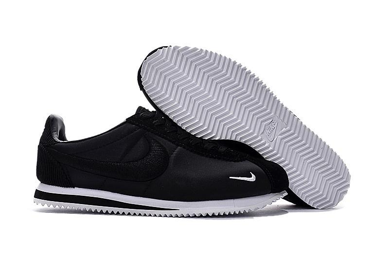 Nike Air Moire